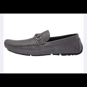 0966 GUESS ADLERS LOAFERS